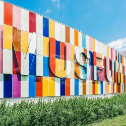 exponer en un museo